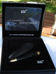Leonardo Sketch Pen box opened