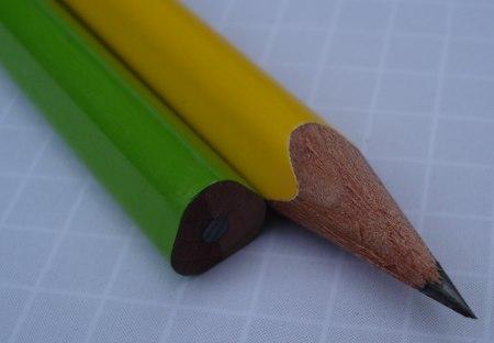 Mitsubishi 4563 triangular pencil