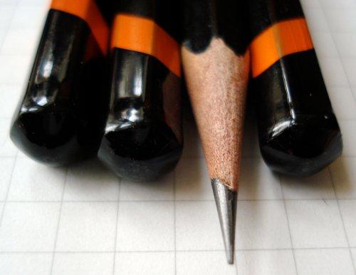 Derwent Graphic pencil