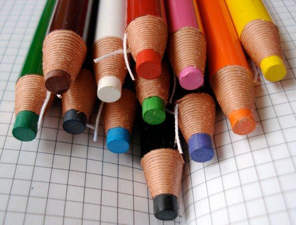Mitsubishi Dermatograph 7600 paper wrapped pencil