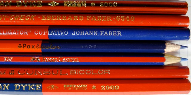 Argentinian red and blue pencils