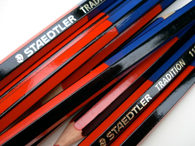 Staedtler Tradition 118-2/3 red and blue pencil