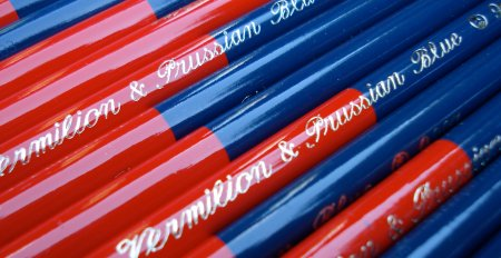 Kita-Boshi Vermilion and Prussian Blue 9667 pencil